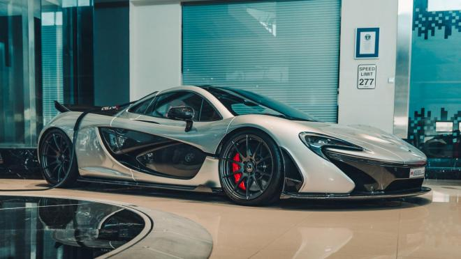 Неизменным конкурентом laferrari и 918 является McLaren P1