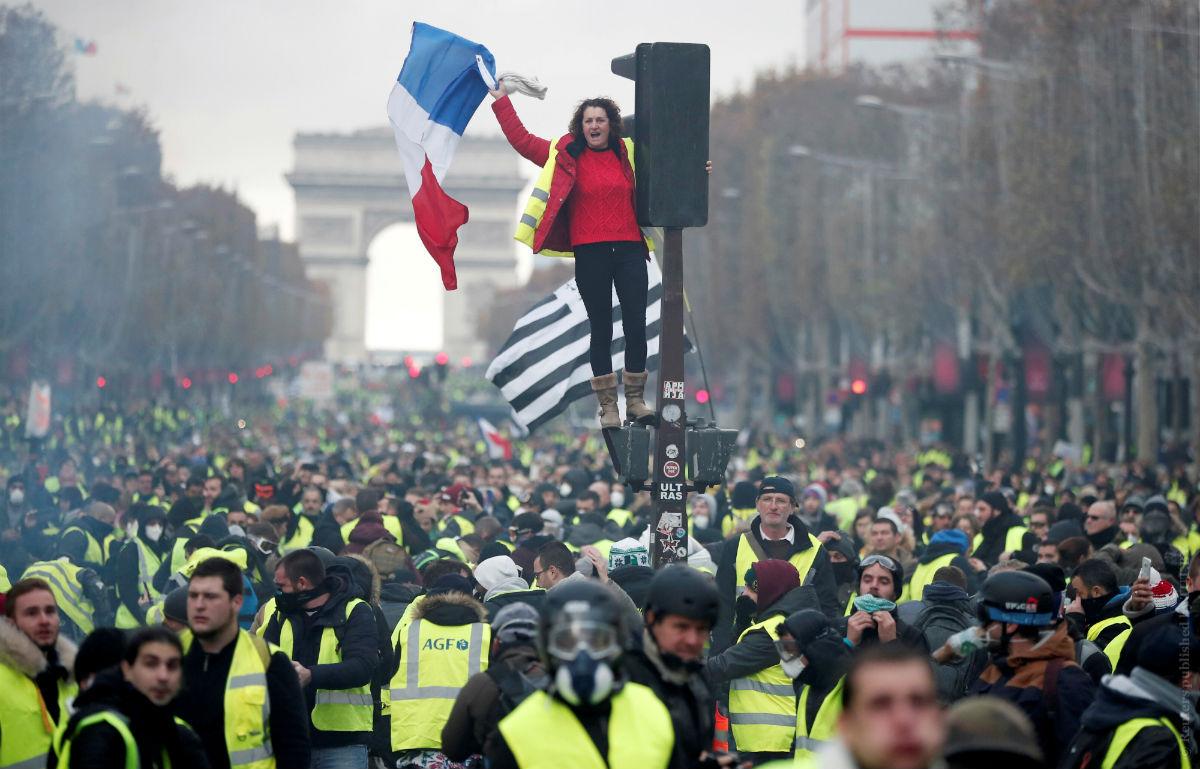 """Протесты """"жёлтых жилетов"""" фото"""