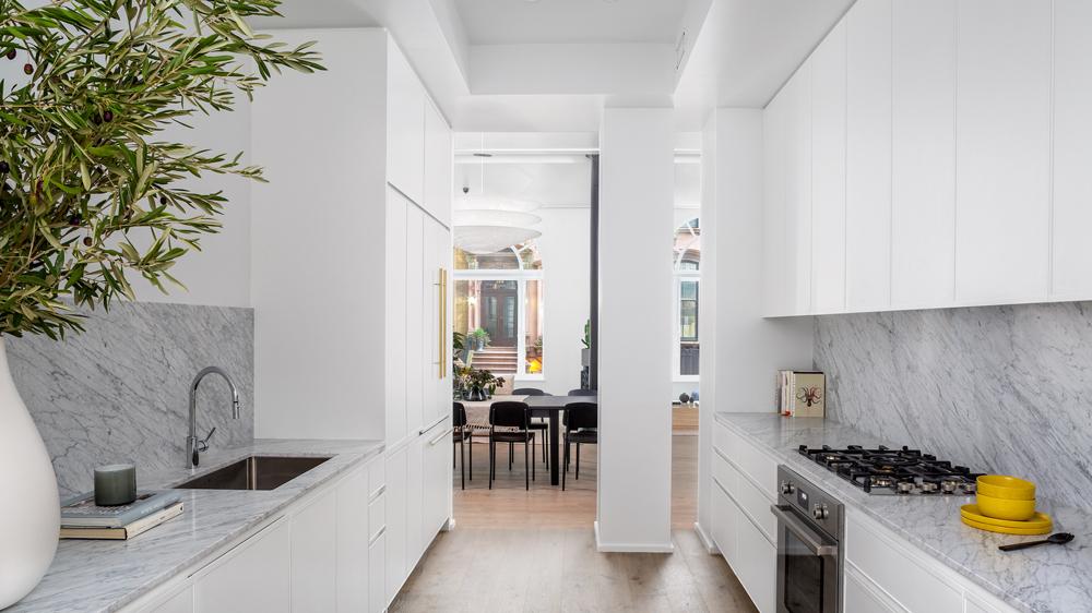 кухня и дорогой пентхаус