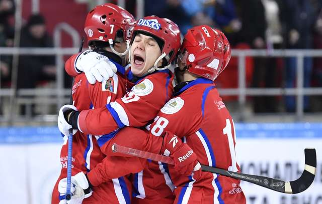 Сегодня 2 февраля в Венерсборге закончился чемпионат мира по хоккею с мячом, в финале которого встретились сборные России и Швеции.