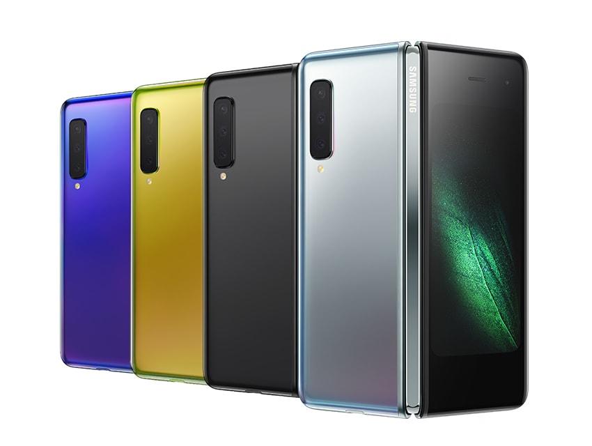 Компания Samsung наконец представила свой складной смартфон Galaxy Fold с гибким экраном диагональю 7,3 дюйма.