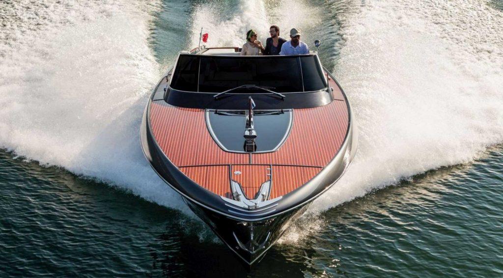 моторная лодка Riva Rivamare