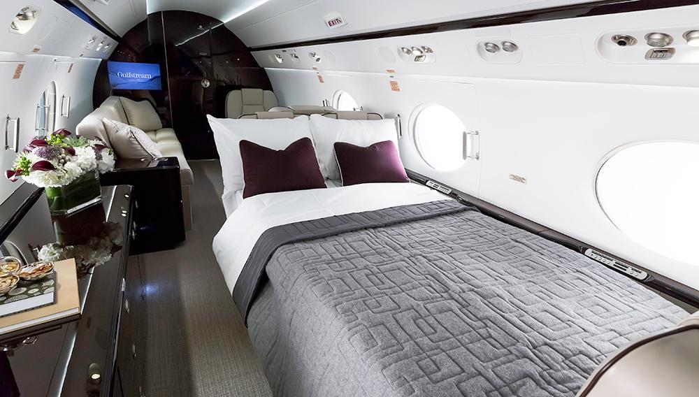 кровати в Gulfstream G550
