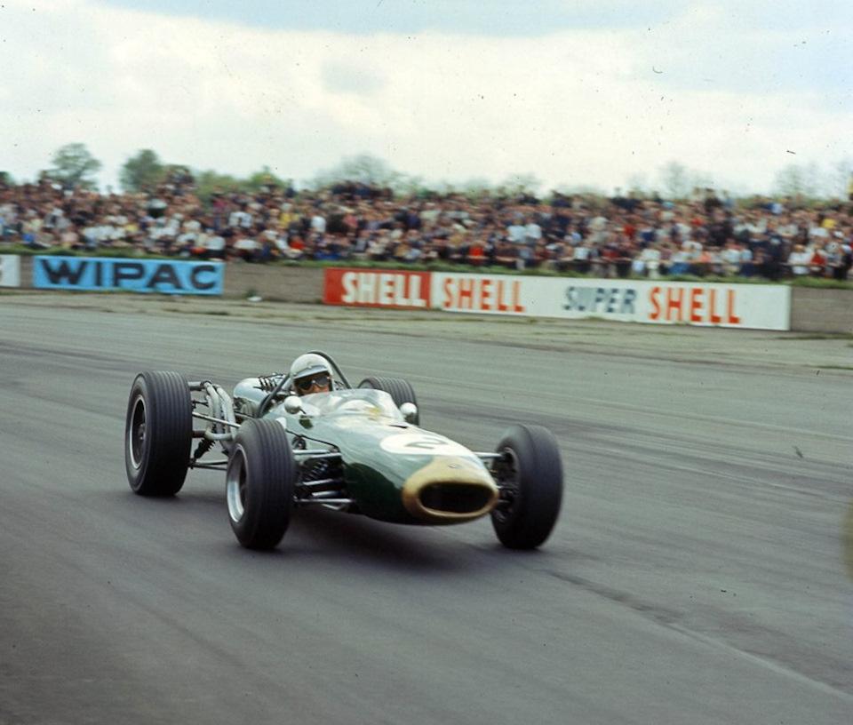 Джек Брэбэм за рулем Brabham BT19 Repco