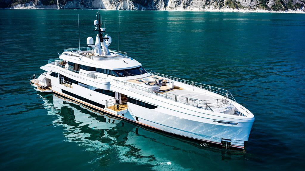 яхта 165