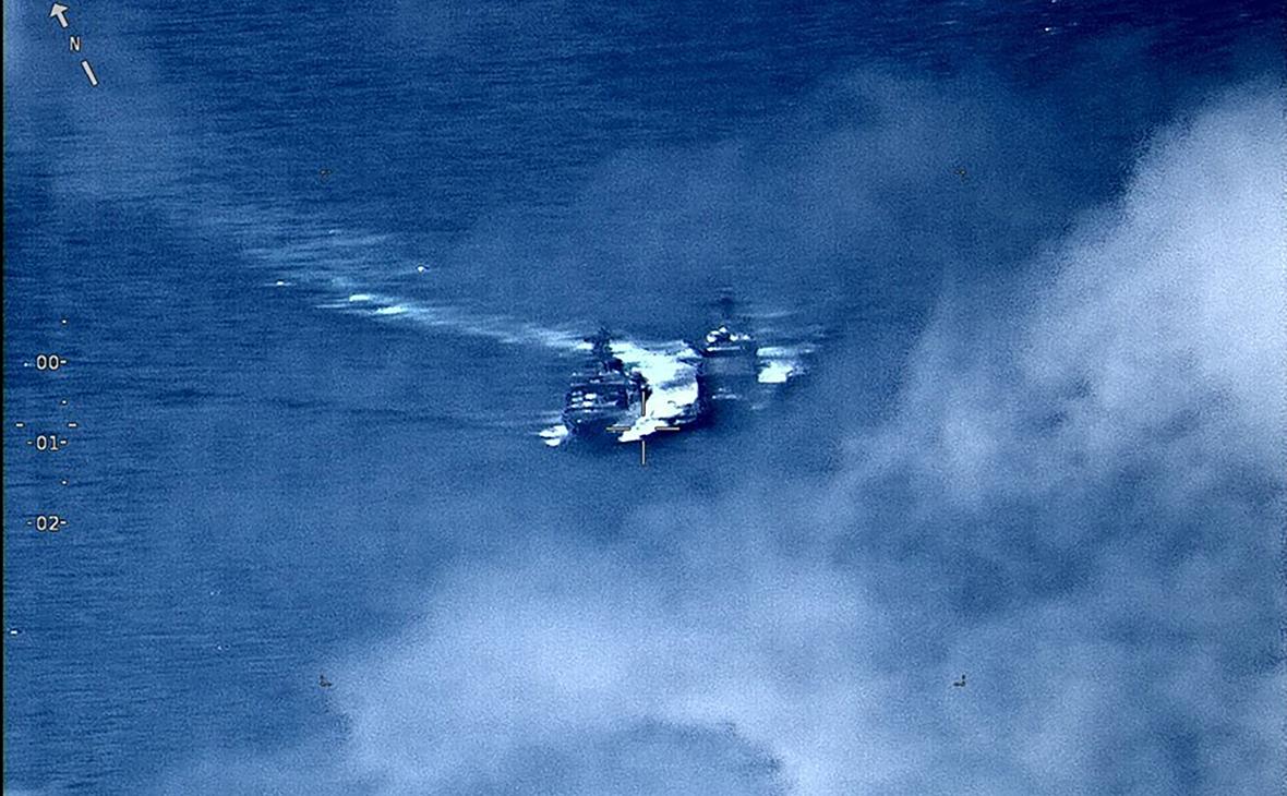 сближения кораблей США и России