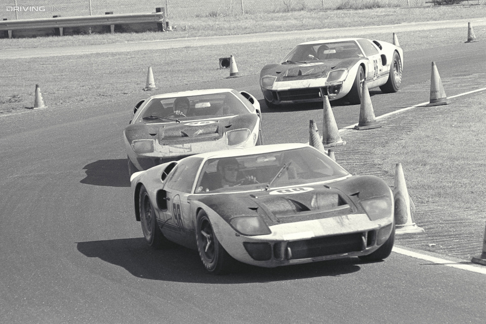 Тройка Ford GT40 Mark II