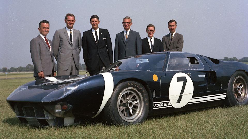команда Ford GT 40