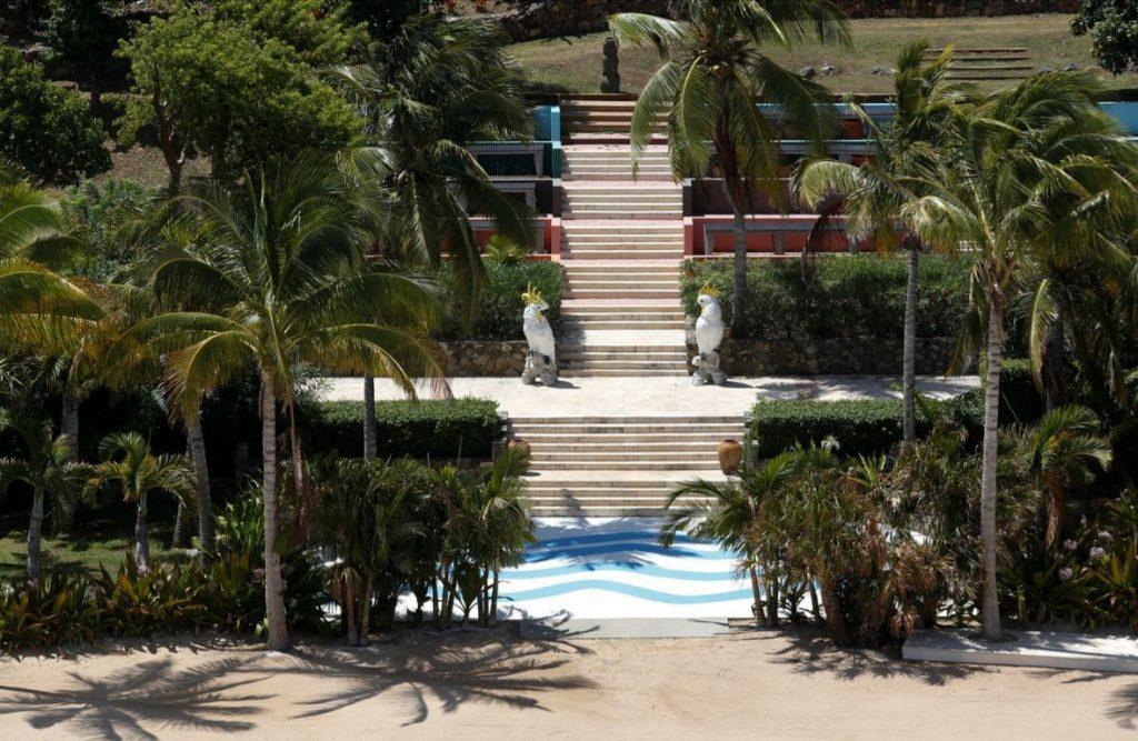 лестница на острове
