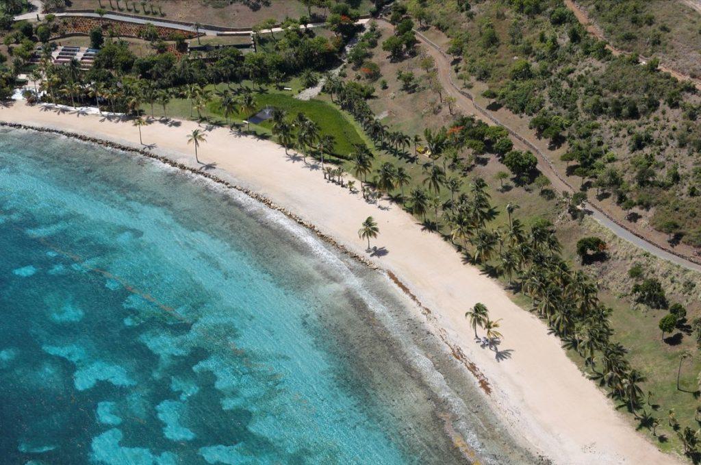 роскошный пляж на острове миллиардера