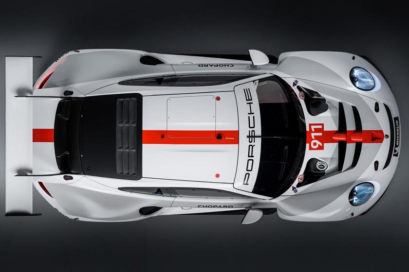 вид сверху Porsche 911 RSR