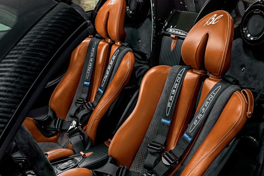 Pagani Huayra Roadster BC сиденья
