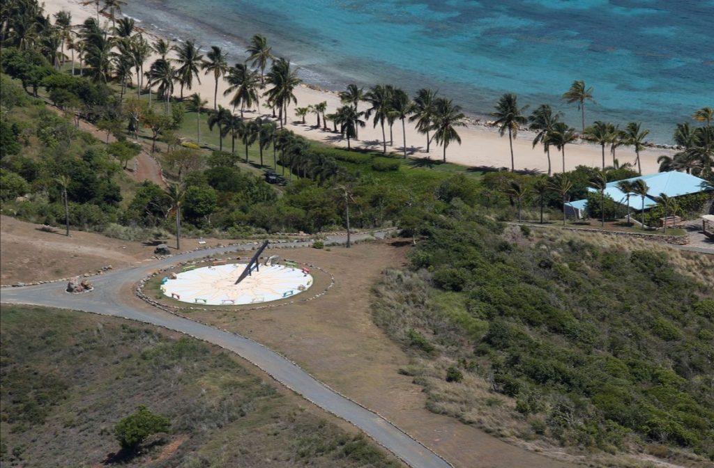 солнечные часы на острове