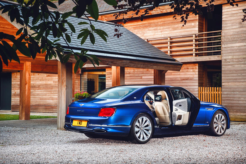 Flying Spur First Edition обзор