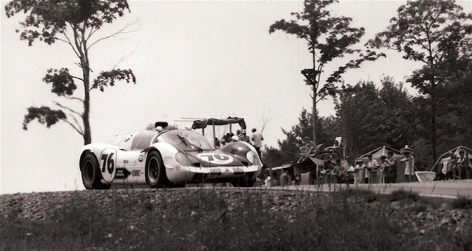 Howmet TX экипажа Рэй Хэппенштал/Дик Томпсон уверенно идет к самому большому успеху турбо-автомобилей в автоспорте – первому месту в классе и третьему в абсолютном зачете «6 часов Уоткинс-Глена» '68.