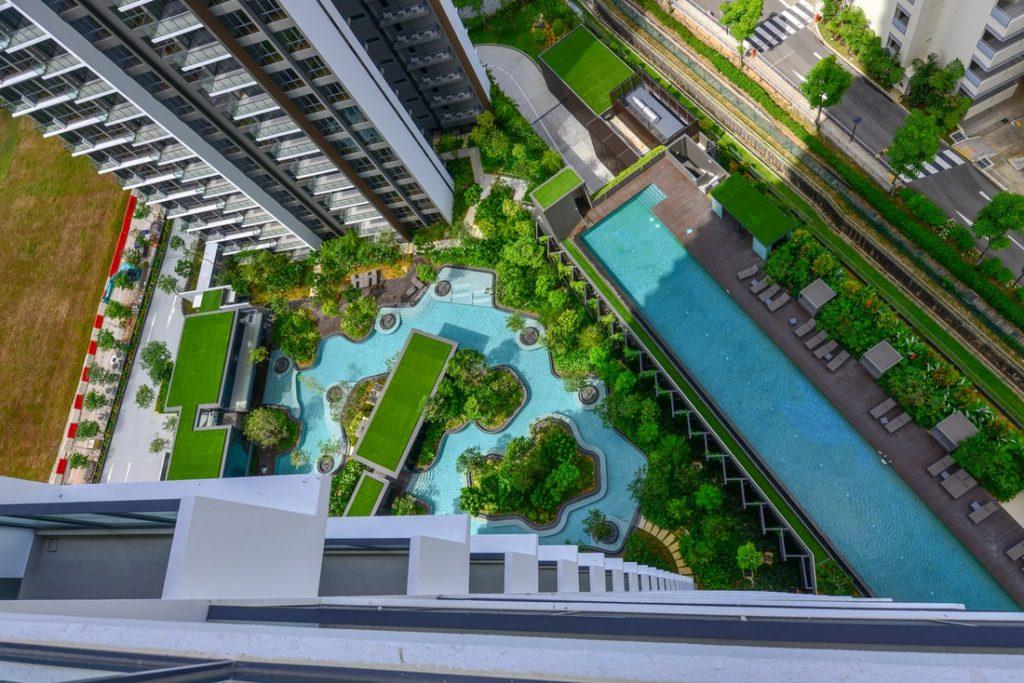 Рекордные по высоте модульные дома построили в Сингапуре