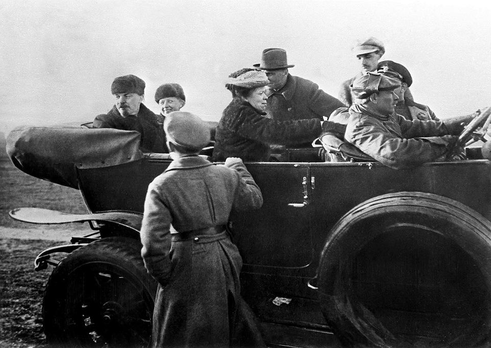 В.И.Ленин в Rolls-Royce