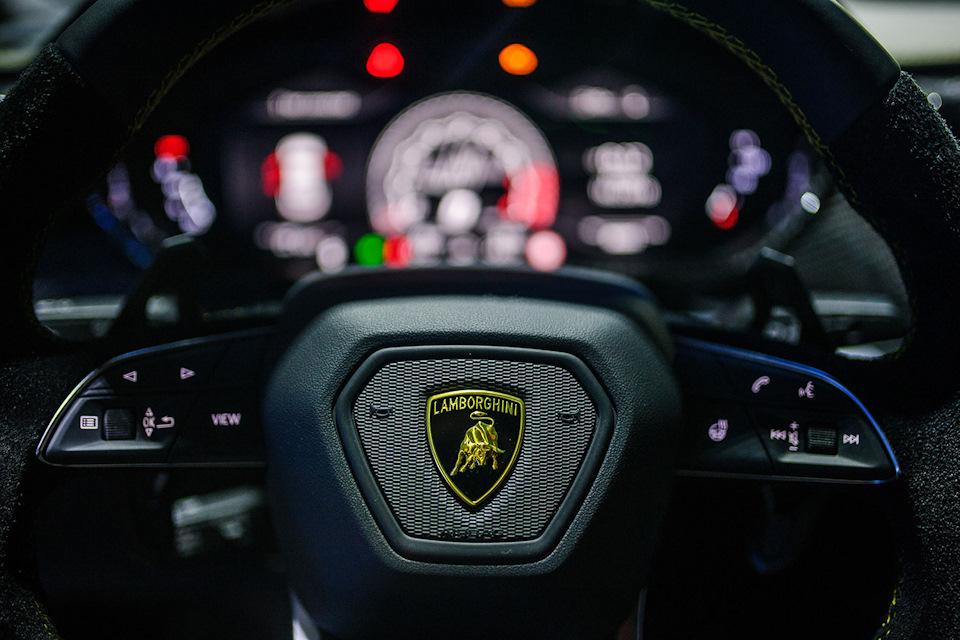 руль Lamborghini Urus