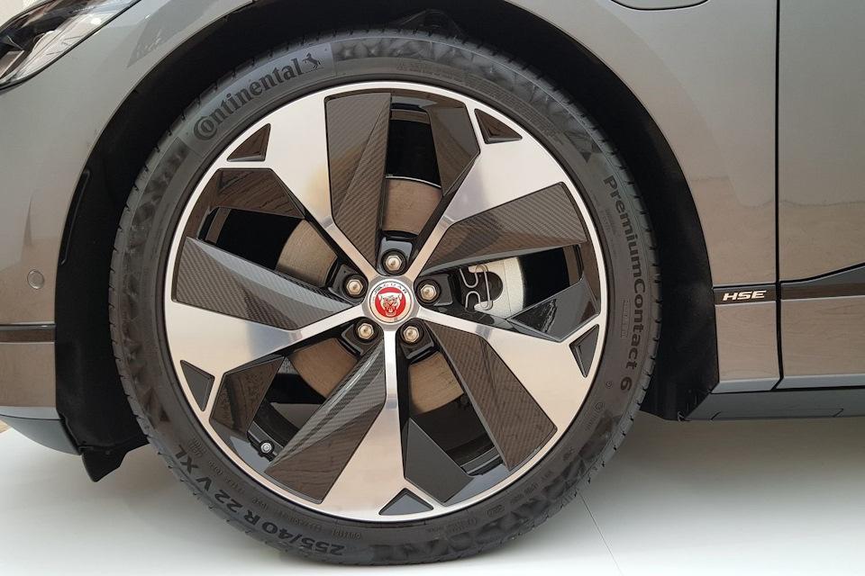I-Pace на здоровенных 22-дюймовых колесах