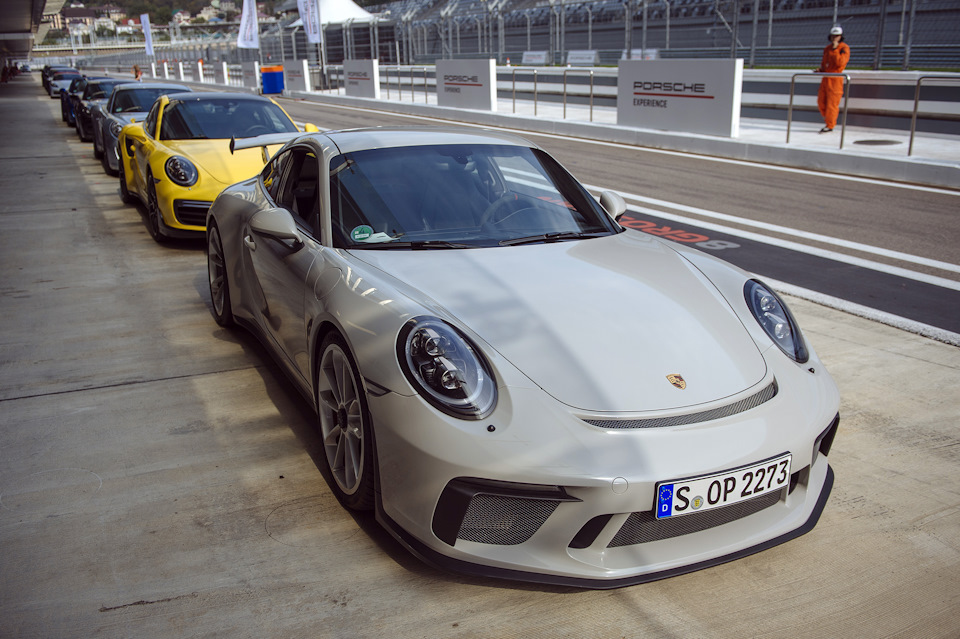 911 GT3 на треке