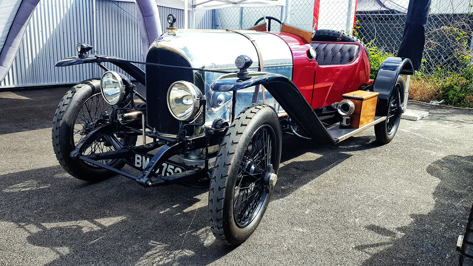 Bentley Exp N2