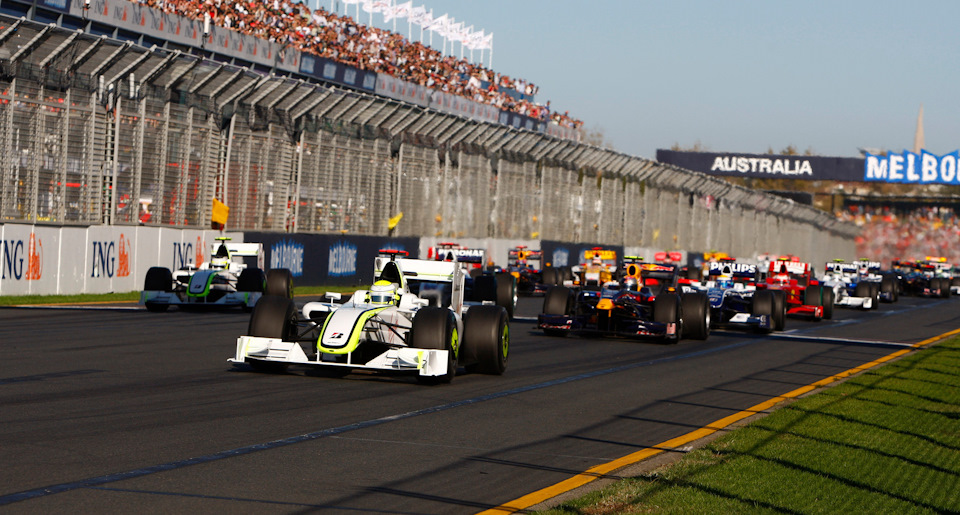 Дженсон Баттон (Brawn BGP 001 Mercedes) выигрывает старт Гран При Австралии '09