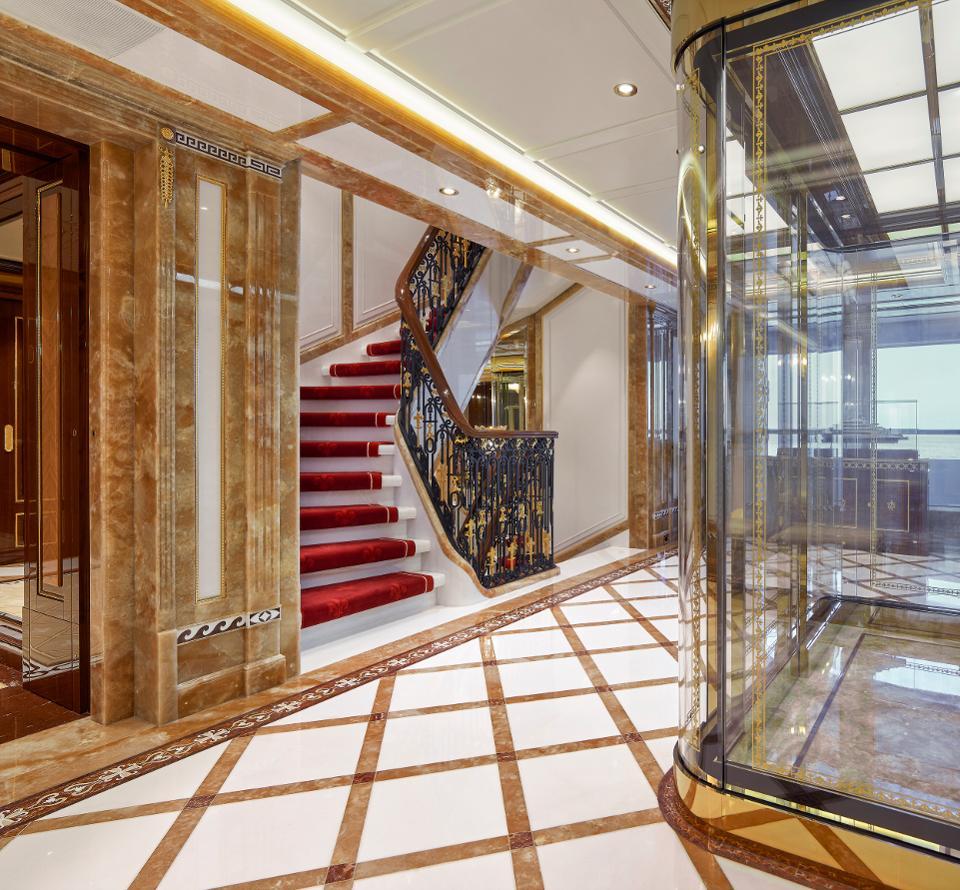 лифт яхты Amaeda