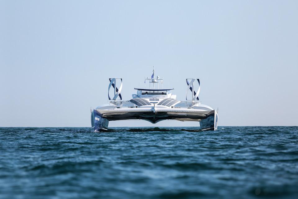 лодка Toyota