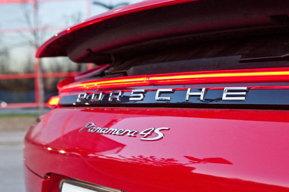 Porsche Panamera 4S задние фары