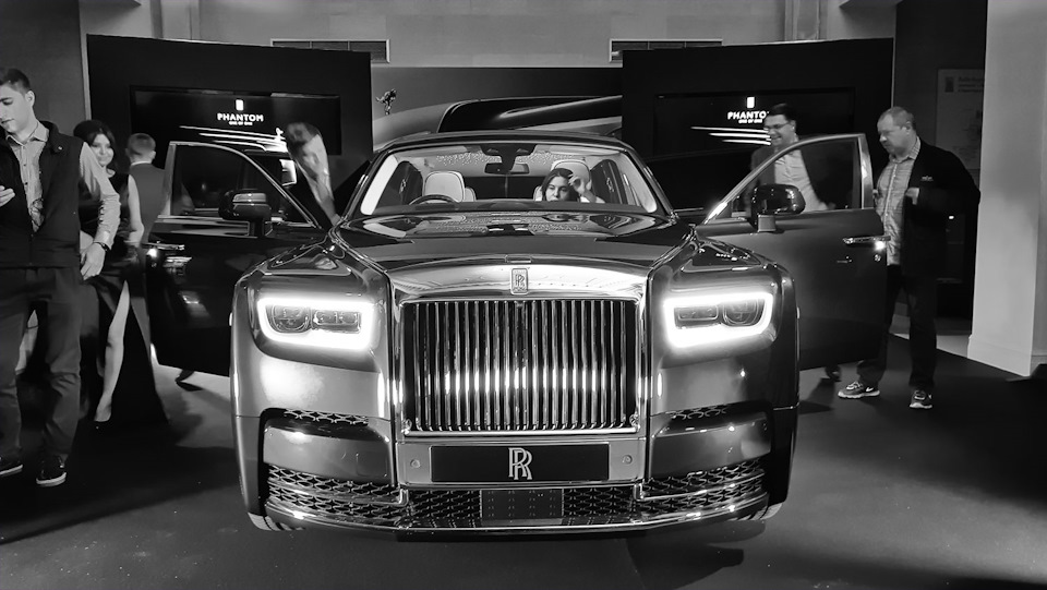 Rolls Royce Phantom фотографии