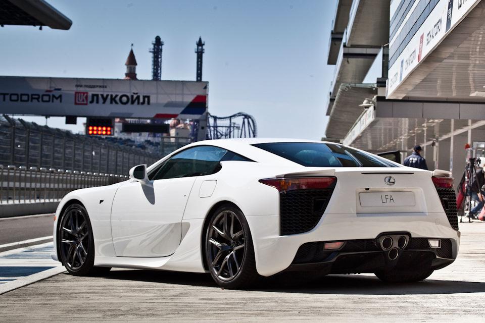 Lexus LFA обзор