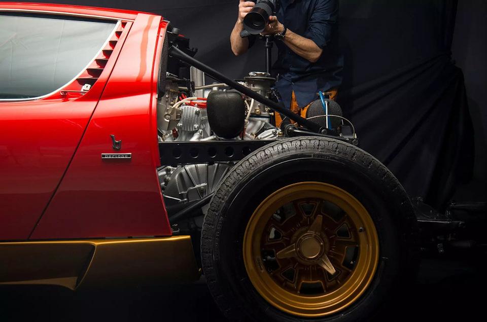 создание фото Disintegrating X (Lamborghini Miura)