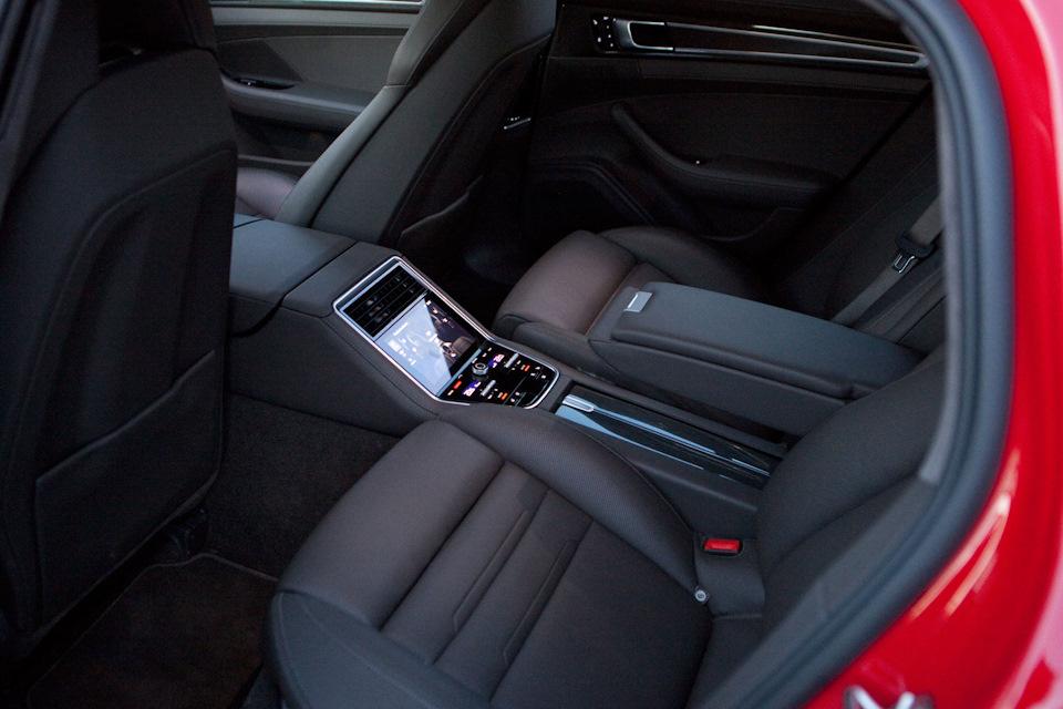 Porsche Panamera 4S сидения