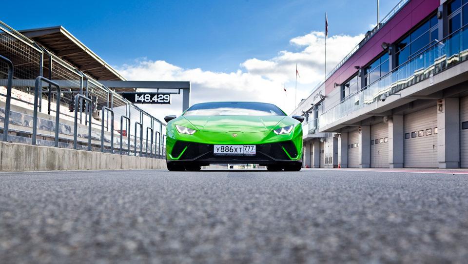 фас Lamborghini Huracan Performante