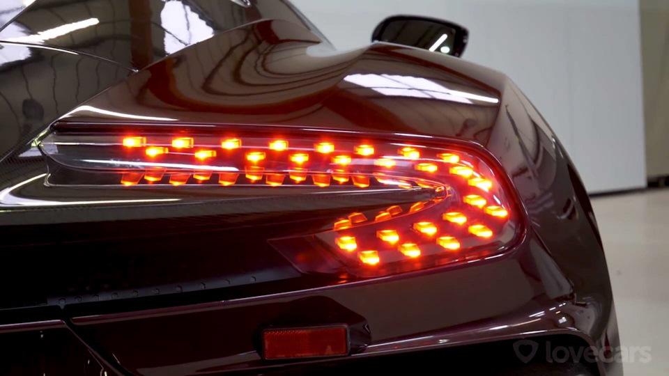 задние фонари Aston Martin Vulcan