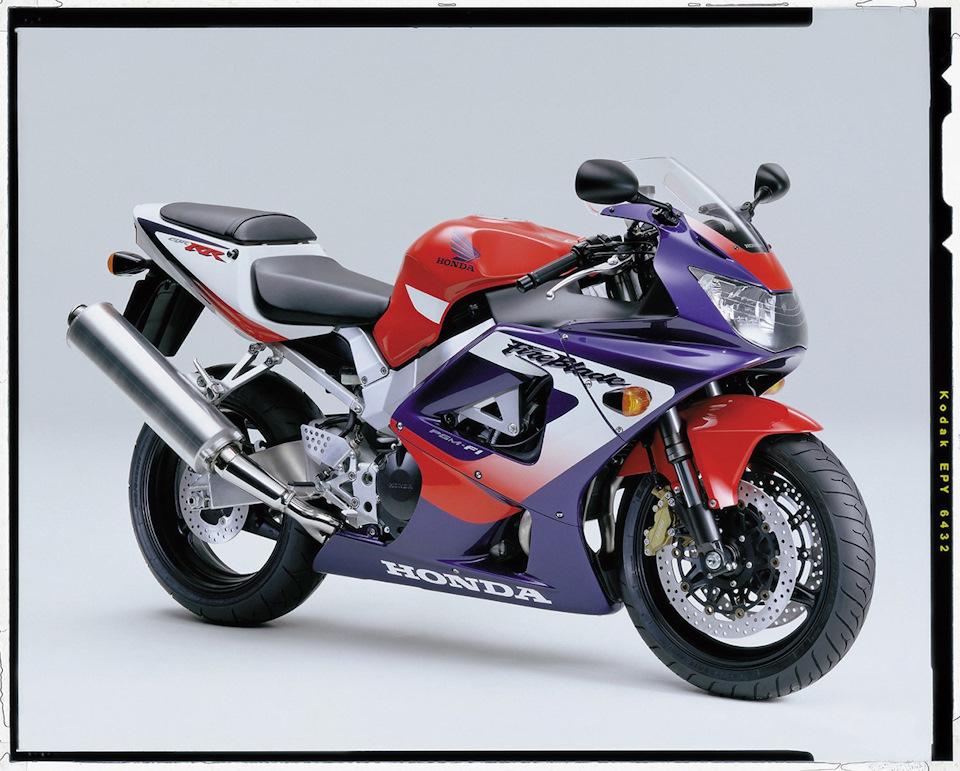 2000-2001 Honda CBR900RR-Y/1 (929 см³, 147 л.с., 170 кг) SC44