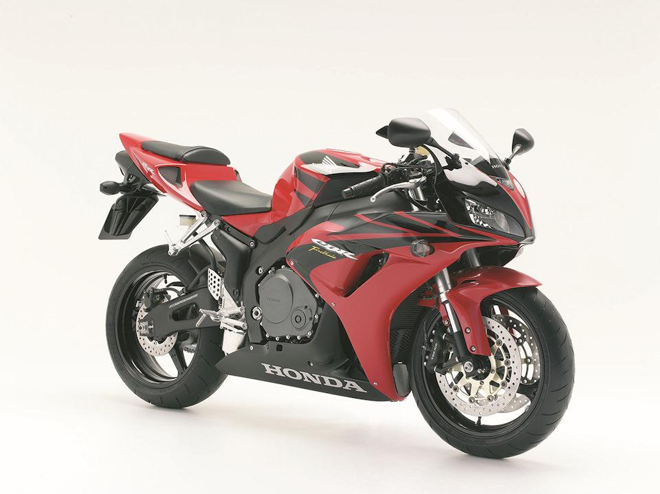 2006-2007 Honda CBR1000RR-6/7 (998 см³, 172 л.с., 203 кг (снаряжён.)) SC57