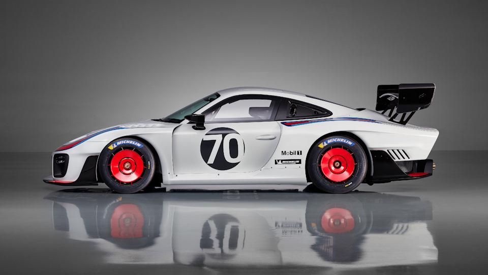 новый Porsche 935 построен на базе Porsche 911 GT2