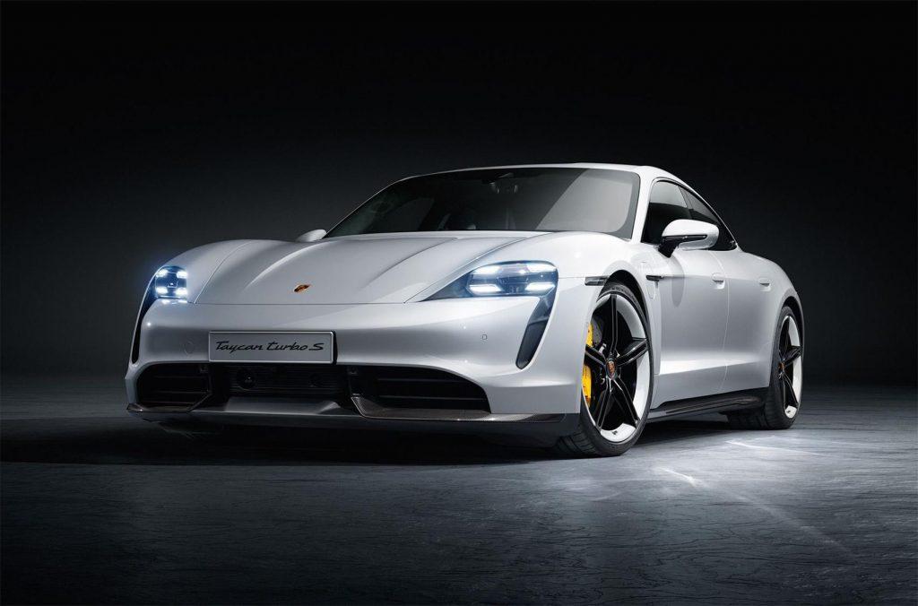 Porsche Taycan спереди