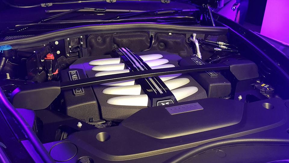 V12 на ролс ройс