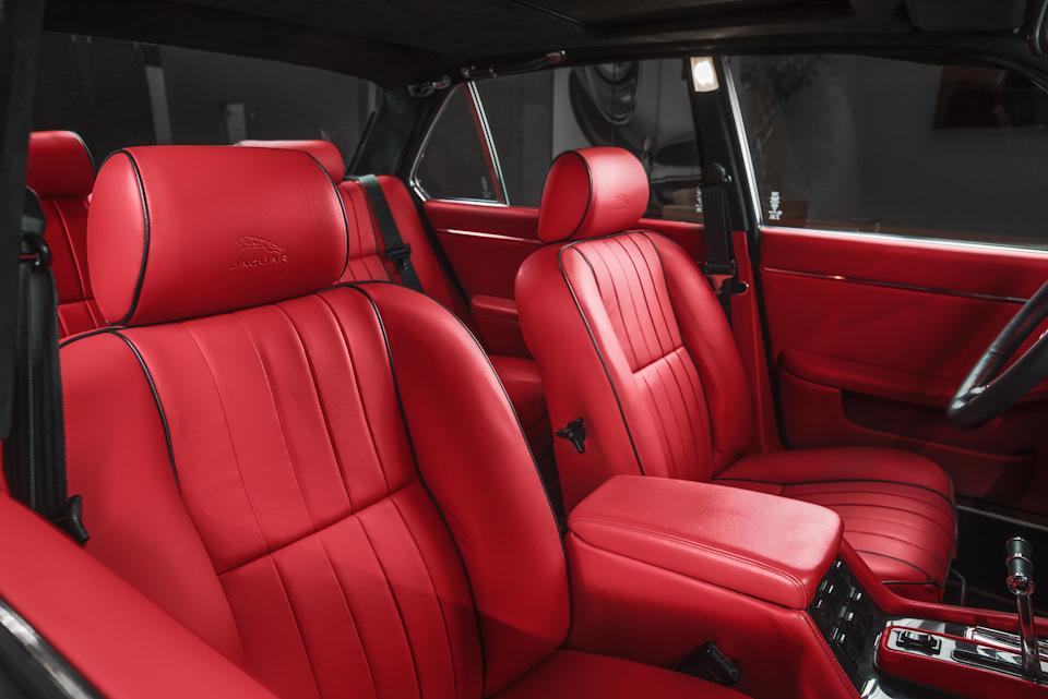 внутри Jaguar XJ6 Greatest Hits