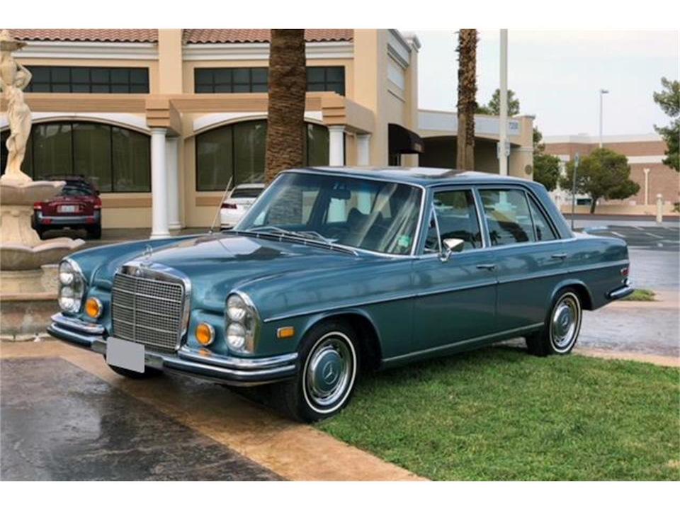 Mercedes-Benz 280 SEL, который король рок-н-ролла лично купил за сумасшедшую сумму в 8 764 доллара