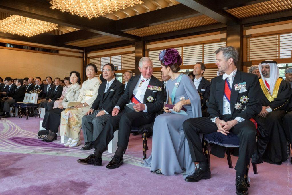 гости Церемония восхождения на трон