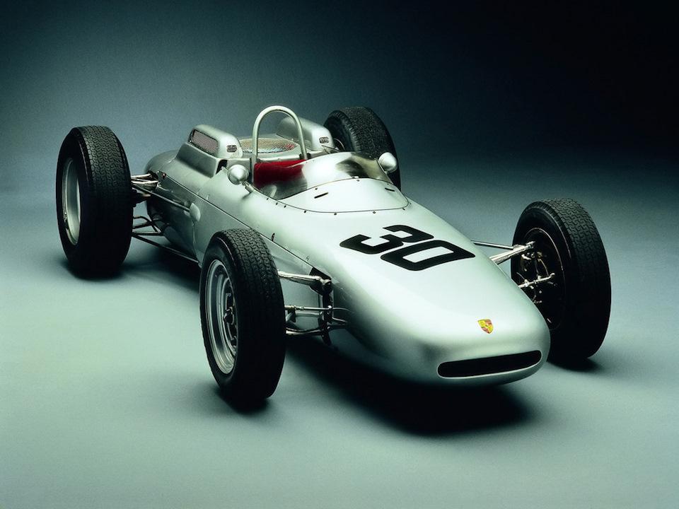 Porsche с Королевой автоспорта