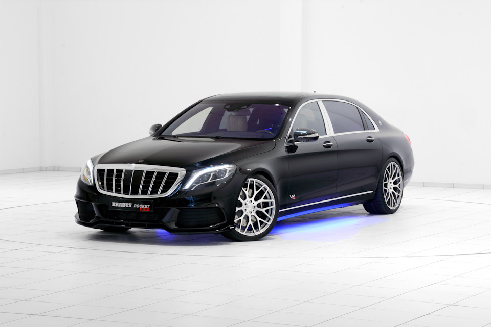 Премиальный седан с 530-сильным бензиновым V12