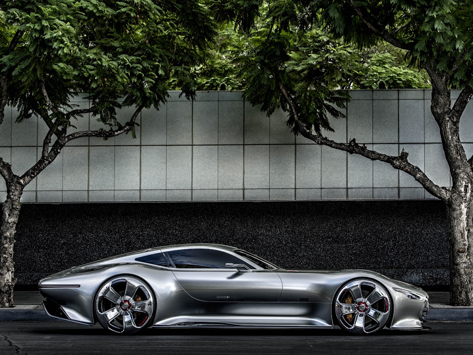 супер пропорции Mercedes-Benz AMG Vision
