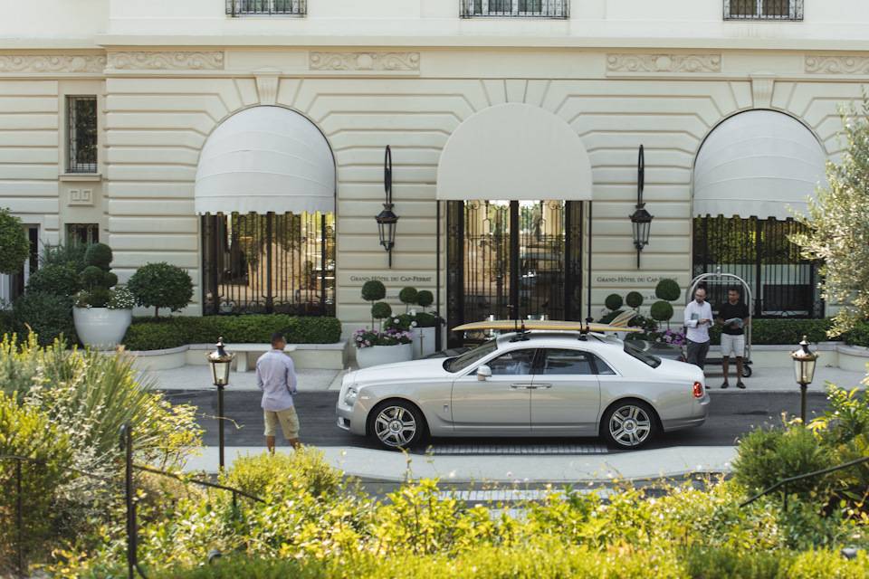 Intercontinental Carlton Hotel напротив знаменитого бульвара де ля Круазет