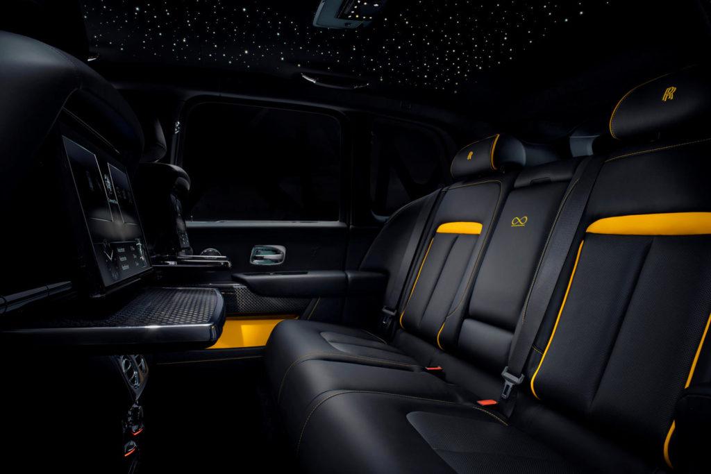 задние места в Rolls-Royce Cullinan Black Badge