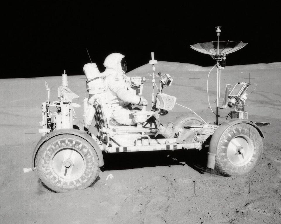 лунаход на луне