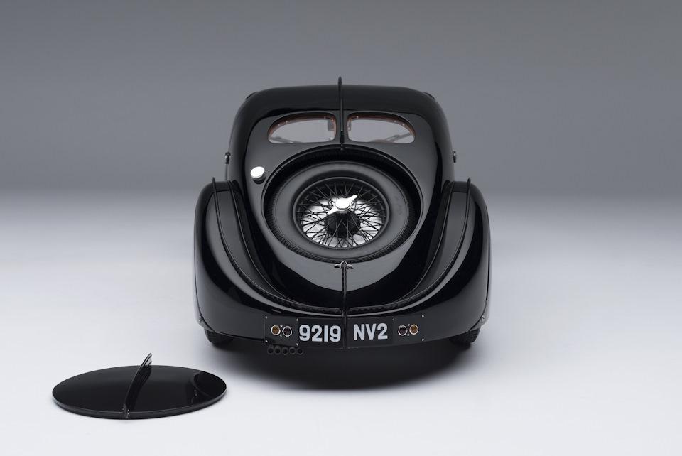 детали Bugatti Type 57 SC Atlantic La Voiture Noire